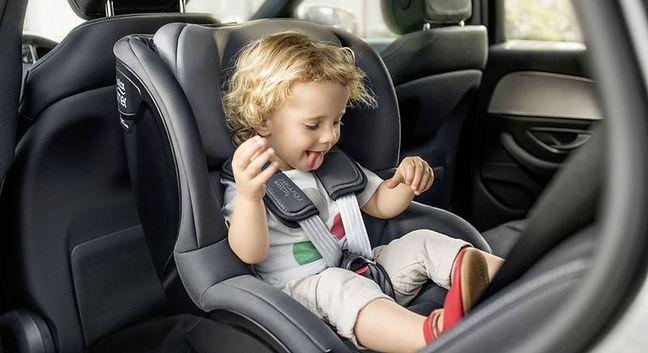 Standardy bezpieczeństwa fotelików samochodowych