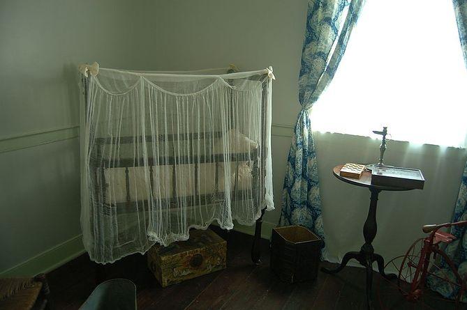 Niesamowite Jak urządzić sypialnię z kącikiem dla niemowlaka? | WP parenting VO43