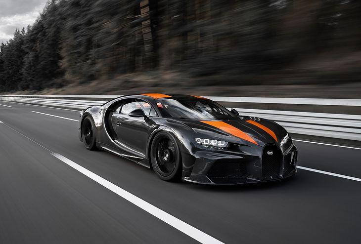 Bugatti pokonało kolejną barierę udowadniając swój kunszt w tworzeniu szybkich pojazdów.