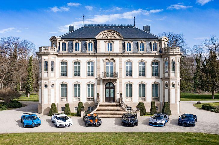Wszystkie najwspanialsze współczesne Bugatti w jednym miejscu - taki widok nie zdarza się często.