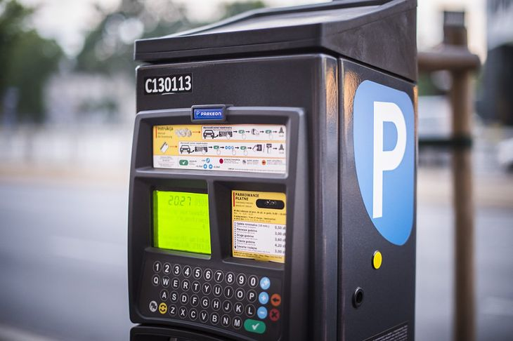 Wyższe kary powinny sprawić, że kierowcy będą chętniej korzystać z parkometrów.