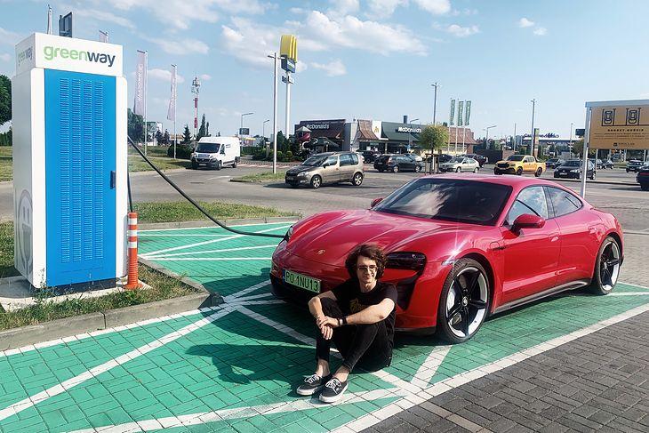 Porsche Taycan jest jednym z najbardziej imponujących elektryków na rynku