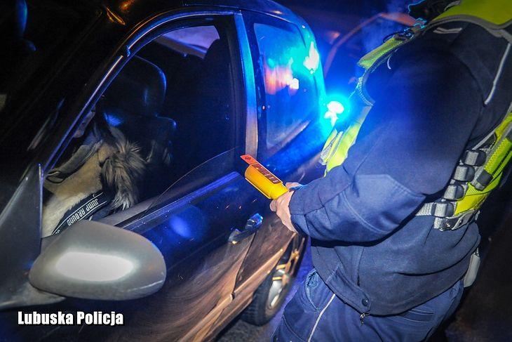 Policja w sylwestra skupi się na kierowcach i kontrolowaniu ich trzeźwości oraz na porządku publicznym.