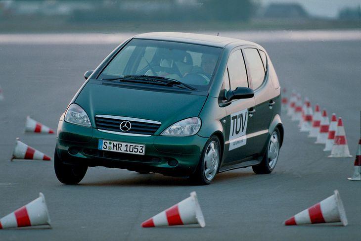 Wpadka w teście łosia pierwszego Mercedesa Klasy A pokazała, jak ważna jest obecność układu ESP w samochodzie