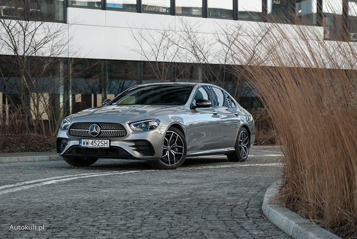 Mercedes oferuje też hybrydy PHEV razem z silnikami Diesla.