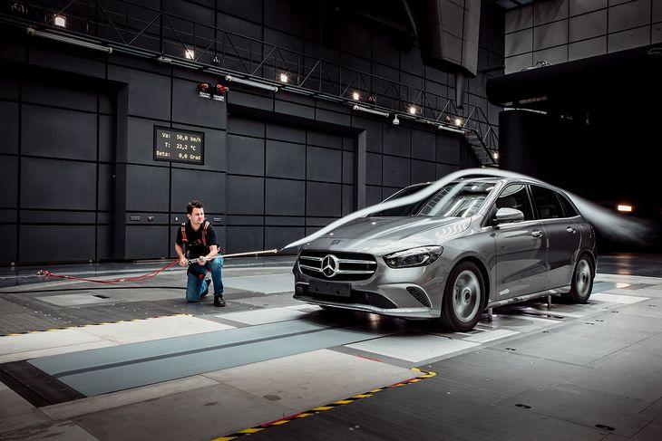 Mercedes Klasy B podczas prób aerodynamicznych