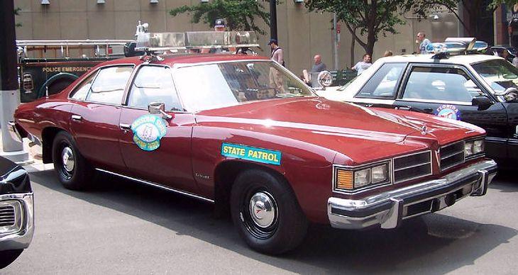 Island Chrysler Dodge >> Stare amerykańskie radiowozy - szeryf, pączek i kawa ...