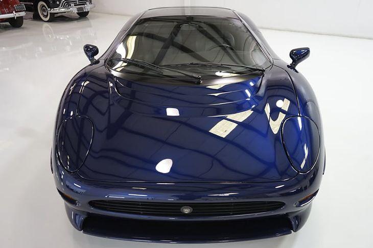 Auto podobno wygląda i jeździ jak fabrycznie nowy egzemplarz.