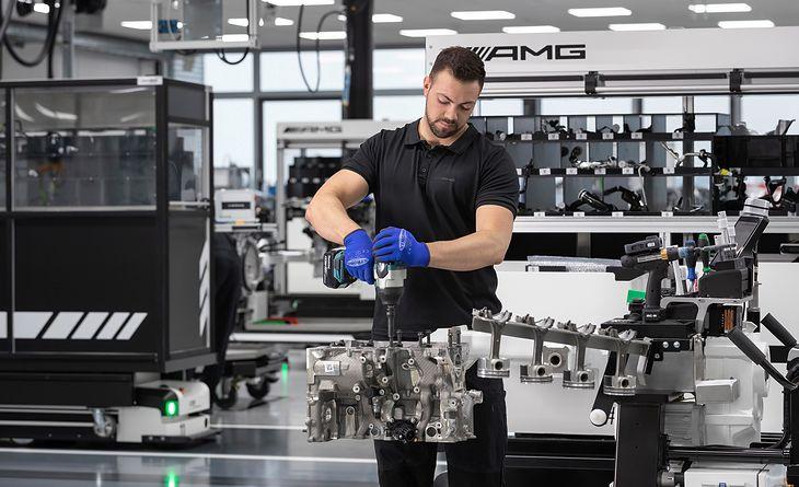 Silnik AMG M 139 w produkcji (fot. Mercedes-AMG)