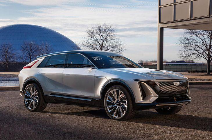 Cadillac Lyriq przerodzi się z konceptu w wersję produkcyjną w 2022 roku.