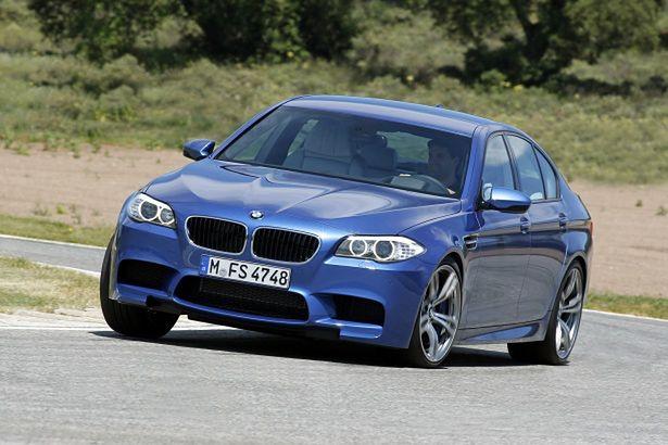 2012-BMW-M5-Sedan