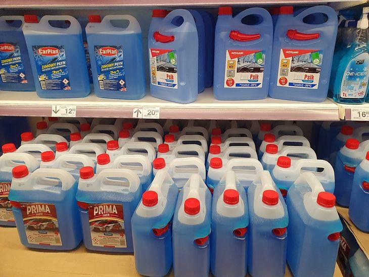Wybór płynów zimowych jest ogromny, a konsumenci mają prawo wiedzieć, które nie spełniają norm.