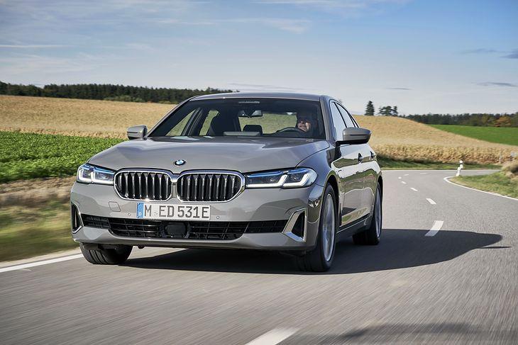 Gama hybryd plug-in BMW stale się powiększa.