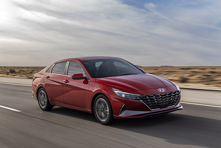 Nowy Hyundai Elantra nie spodoba się każdemu.