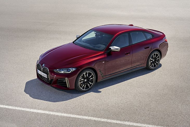 BMW Serii 4 Gran Coupe łączy cechy modeli i4 oraz Serii 3.