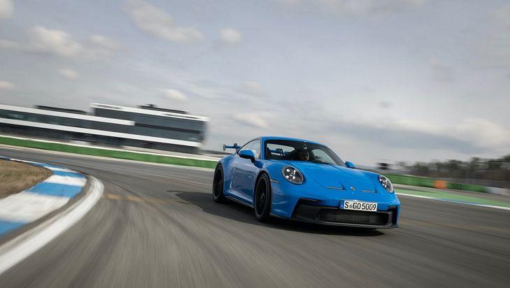 911 GT3 udowodniło, że daje radę na torze.