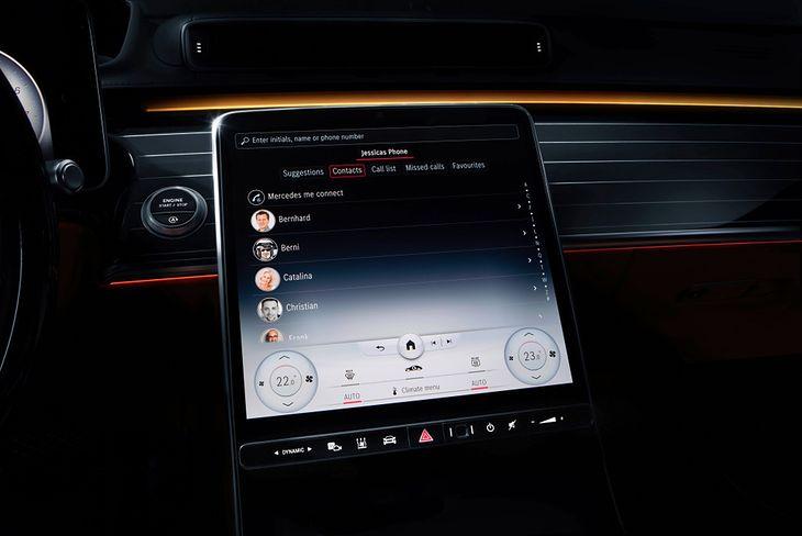 Druga generacja systemu MBUX to rewolucja w samochodowych multimediach.