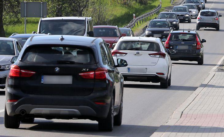 Polacy zmieniają auta - zarówno na nowe, jak i na sprowadzone