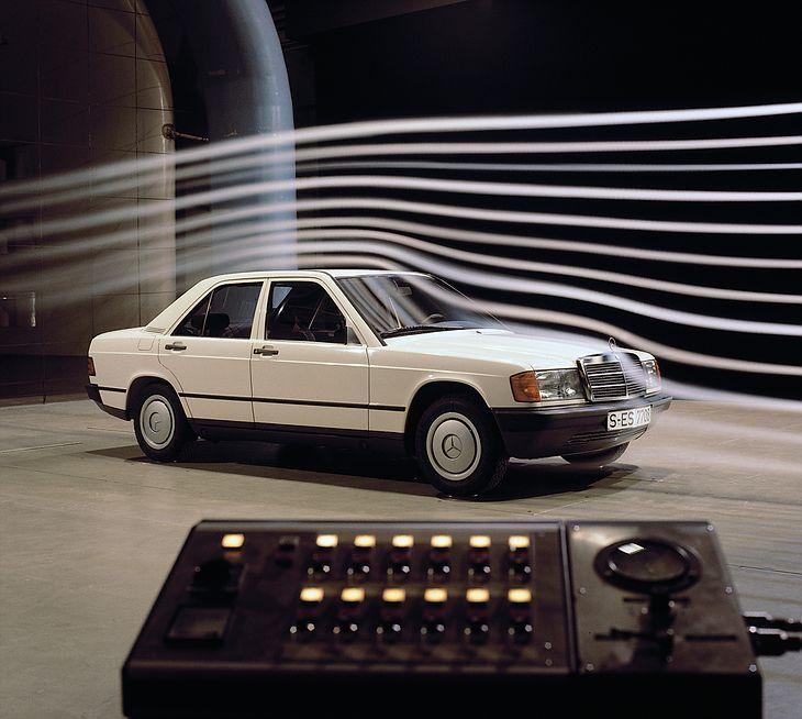 Mercedes W201 w tunelu aerodynamicznym