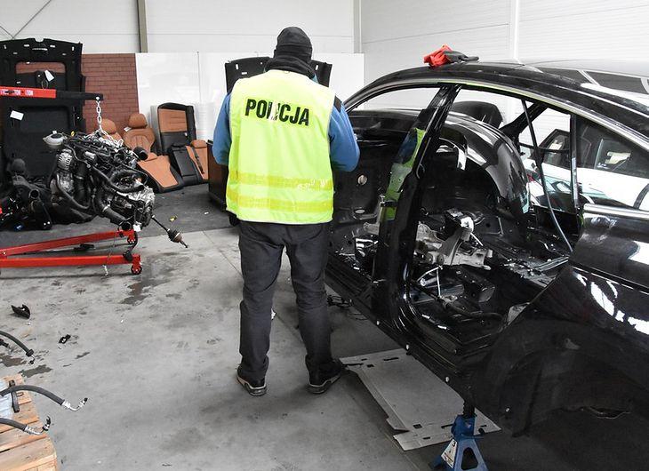 W toku postępowania zabezpieczono 28 pojazdów (zdjęcie poglądowe)