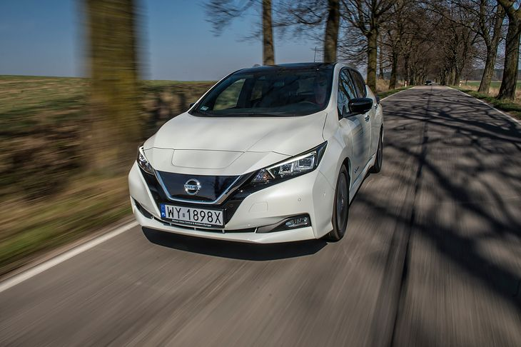 """Ceny Nissana Leafa zostały drastycznie obniżone by """"załapać"""" się do programu dopłat. Ten jednak nie może wystartować"""