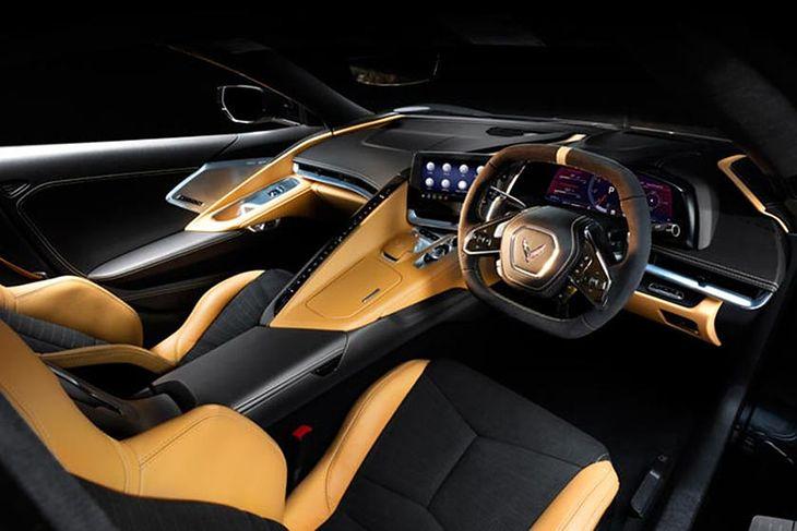 Wiele modeli występuje w konfiguracji z kierownicą po prawej stronie.