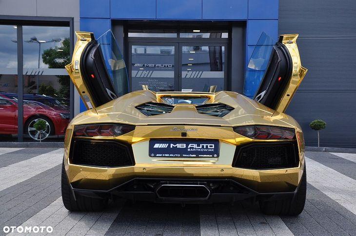 Do Kupienia Zlote Lamborghini Aventador Wyglada Znajomo A Cena