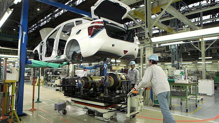 Toyota wstrzymała produkcję w 9 fabrykach.