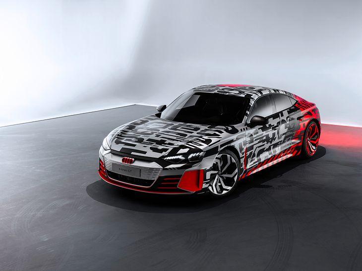 Jeśli historia nas czegoś nauczyła to tego, że pod maskowaniem E-Trona GT może czekać praktycznie finalna wersja samochodu