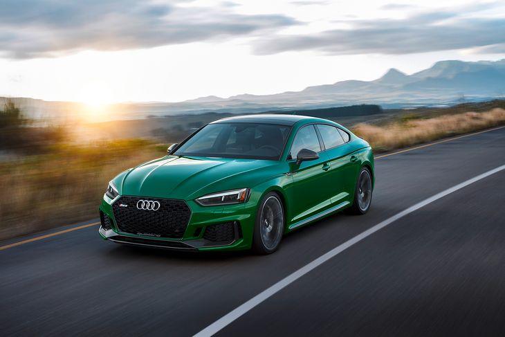 Audi RS 5 Sportback znakomicie łączy wszystko, czego byśmy chcieli od tego jedynego samochodu w garażu.
