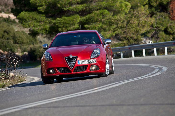 Pomimo wieku Alfa Romeo Giulietta to jeden z najlepiej jeżdżących kompaktów. To jego największy atut.