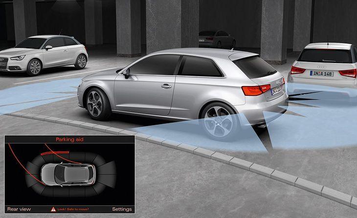 Działanie czujników parkowania w samochodzie Audi