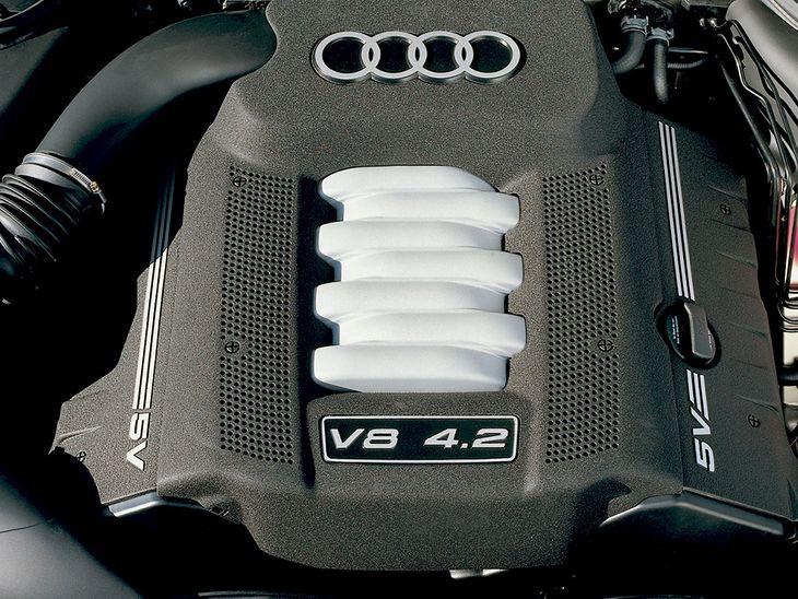 Audi z silnikiem V8 za taką kwotę? To możliwe, choć ryzykowne