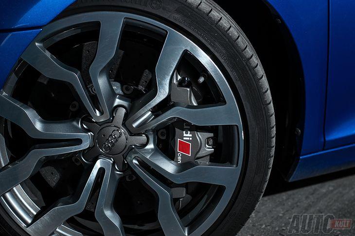 Hamulce węglowo-ceramiczne w Audi R8 V10
