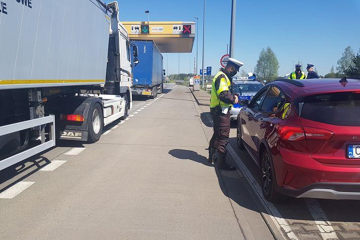W związku z przepisami o odstępie od poprzedzającego pojazdu można spodziewać się większej liczby patroli na autostradach