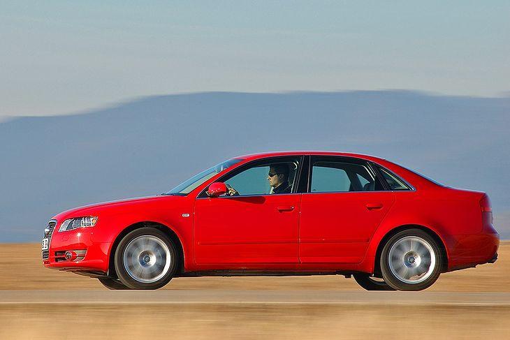Audi A4 to jeden z ulubionych samochodów w Polsce. Zwłaszcza, gdy jego wiek dobija do 10 lat.