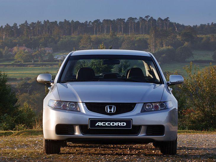 Honda Accord VII to pewniak z silnikiem benzynowym? Nie do końca. Trzeba uważać.
