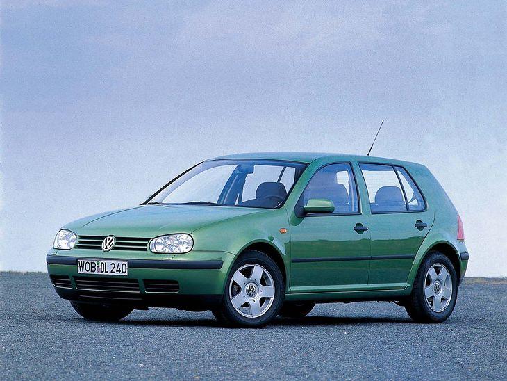 Niemiec 20 lat temu mógł bez trudu kupić Volkswagena Golfa IV, kiedy przeciętny Polak mógł o nim głównie pomarzyć. Po 20 latach niewiele się zmienia. Polaka stać na Golfa, ale tego, którego sprzedaje Niemiec, zamieniając go na nowy model.