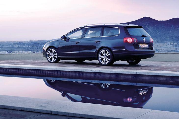 Volkswagen Passat B6 już prawie przejął w Polsce pałeczkę po poprzedniku B5. Jest niezwykle popularny, ale wcale nie tak dobry jak wielu uważa.
