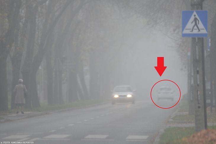 Kierowcy często zapominają przy gorszej widoczności przełączyć światła do jazdy dziennej na światła mijania