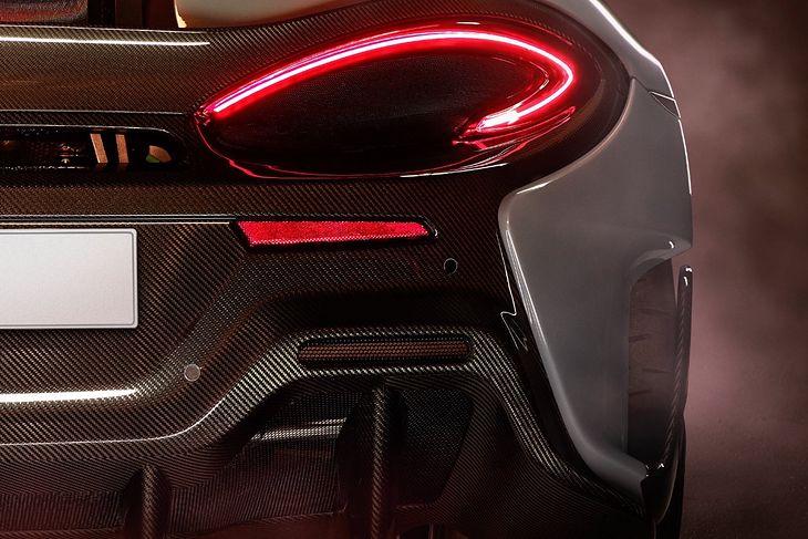 Charakterystyczne światła serii 570 to znak rozpoznawczy najtańszych McLarenów.