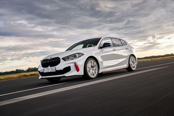 BMW 128ti robi setkę w 5,1 sekundy.