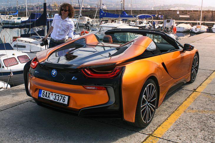 Dalej ten samochód z trzycylindrowym silnikiem wolałbym bardziej niż niejeden, o wiele droższy i o wiele szybszy wóz.