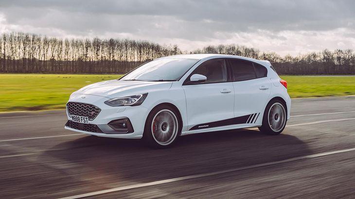 Wystarczy 599 funtów, by znacząco poprawić wrażenia z jazdy Focusem ST.