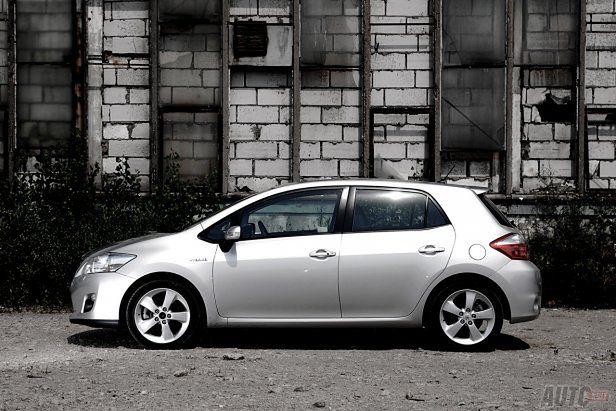 Toyota Auris Prestige + Navi Hybrid