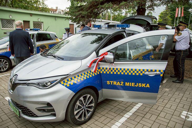 Renault Zoe R135 dołączyły do floty gdańskiej straży miejskiej.