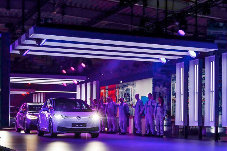 W Volkswagenie ID.3 niemiecki koncern upatruje przełomu na miarę Golfa, a wcześniej Garbusa.