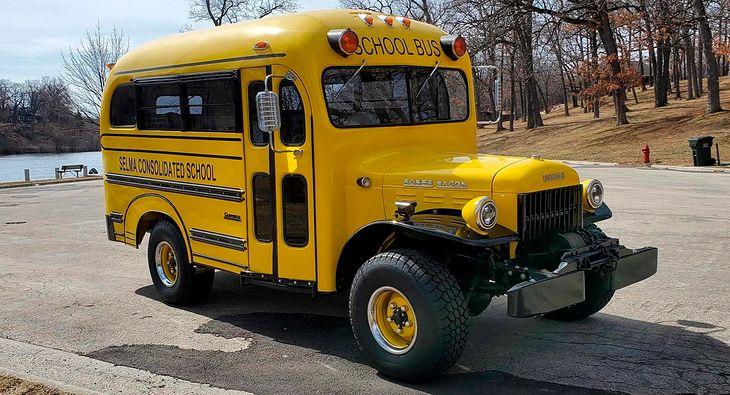 Czy szkolny bus może być emocjonujący? Jeszcze jak!