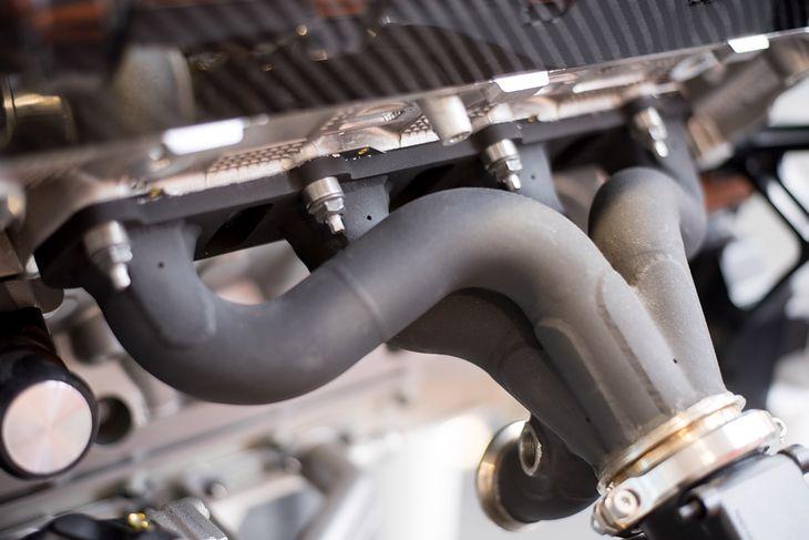 Przy projekcie skupiono się też na polepszeniu reakcji silnika