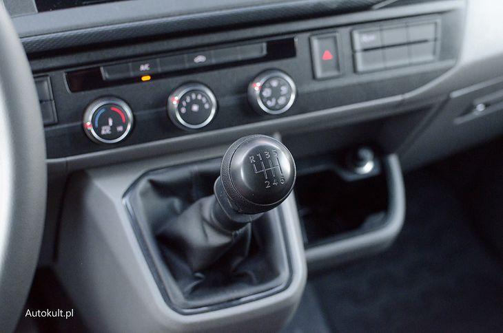 Takie drążki znikną z aut Volkswagena najpewniej do 2030 r. Zarówno w osobowych jak i dostawczych.